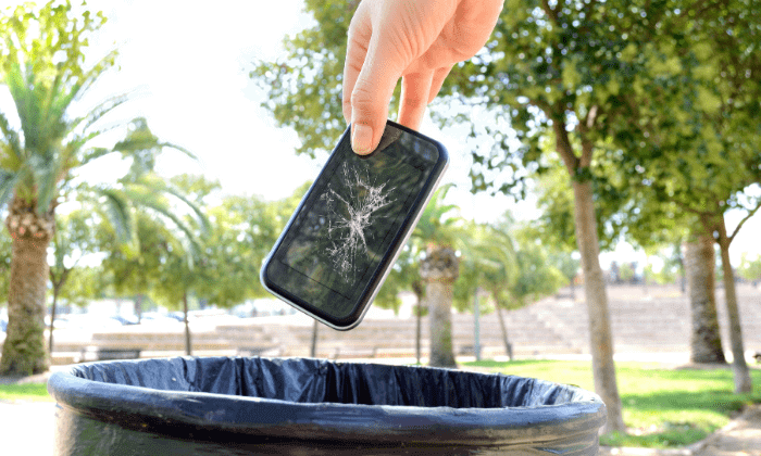 Don't throw your broken phone away - Trade it in for cash with GadgetGone